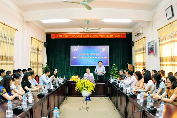 Lễ công bố Quyết định thành lập Chi hội Vật lý trường Đại học Tân Trào